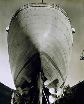 View of the RMS Queen Elizabeth, 1942 (b/w photo)