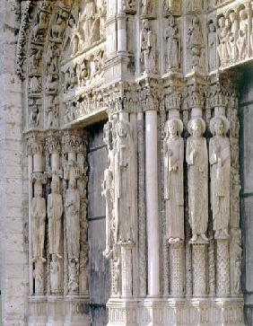 est facade, south and central doors of the Royal Portal, detail of column figures