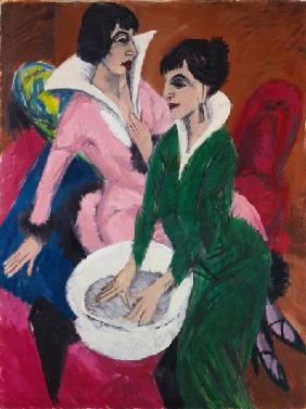 Two women with basins (the nurses) 1913