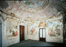 Room decorated with the frescoes of Pellegrini (photo)