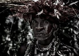 Woman in the sing-sing festival of Mt Hagen - Papua New Guinea