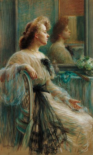 Lady in front of the mirror