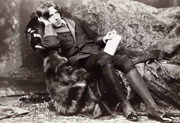 Oscar Wilde (b/w photo)