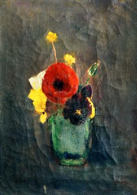Blumenstrauss with poppies in a green vase